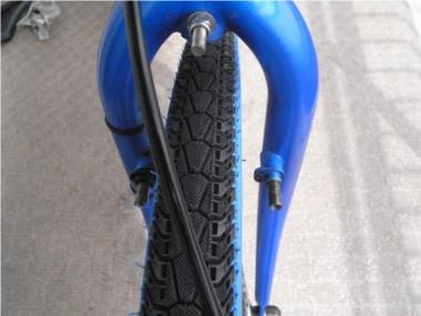 自転車のブレーキ交換。ブレーキを外したところ。