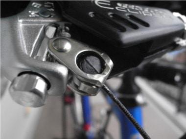自転車のブレーキ交換。ワイヤーのタイコ。