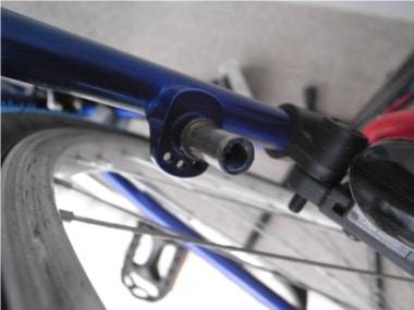 自転車のブレーキ交換。グリスを塗布。