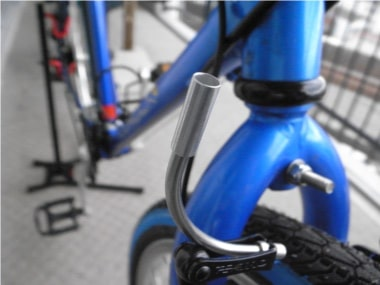 自転車のブレーキ交換。リードパイプ。